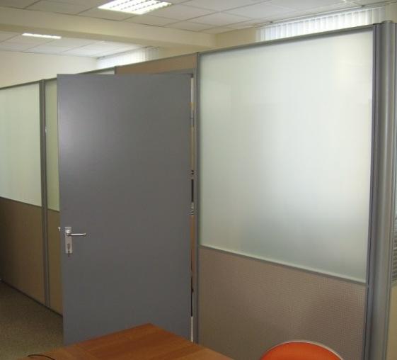 Мобильные офисные перегородки с комбинированным заполнением модулей