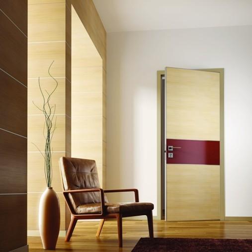 Дизайнерские двери отделка кожей и шпоном
