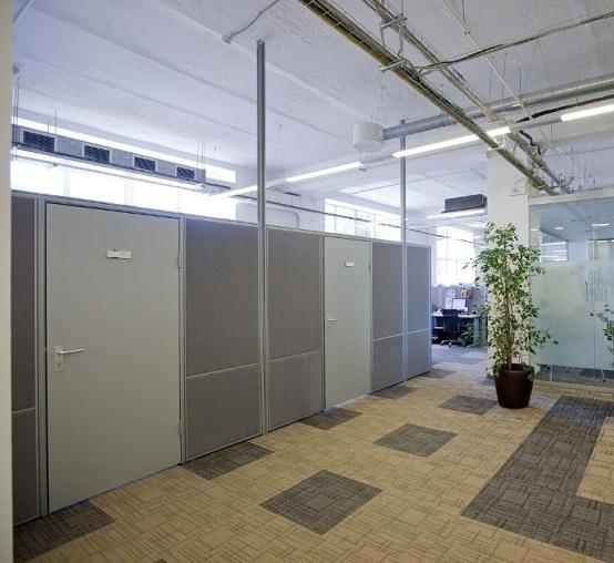 Мобильные офисные перегородки с дверьми